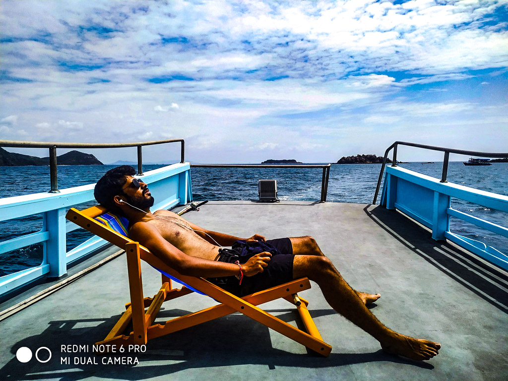 chilling_before_dive